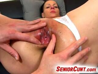 Horny czech milf Renate open pussy with speculum